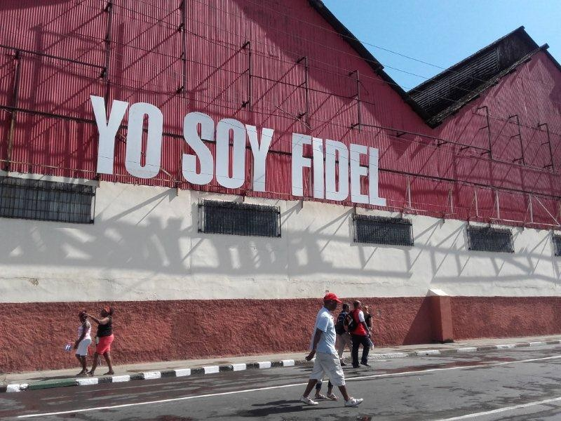 Homage from Santiago de Cuba Rum factory to Fidel Castro